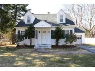 118 Marlboro Rd, Southborough, MA 01772