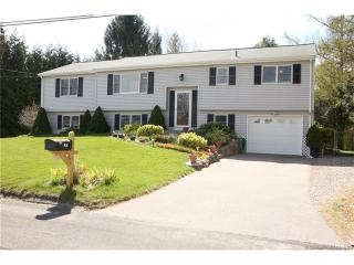 7 Canary Street, Pawcatuck CT