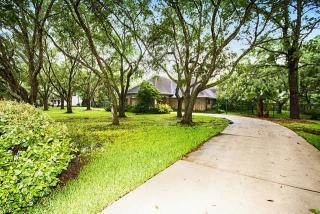 2402 Creekridge Drive, Pearland TX