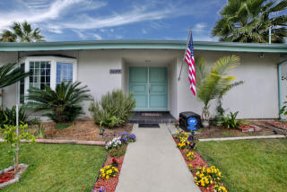 6955 Rubio Avenue, Lake Balboa CA
