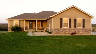 7461 Riffle Rd, Junction City, KS 66441