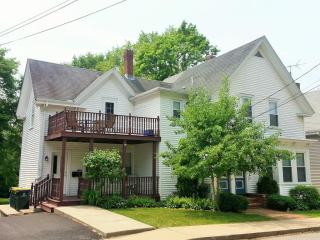 186 School St #2, Franklin, MA 02038