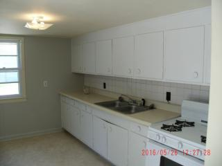 3807 Brown Station Rd #9, Columbia, MO 65202