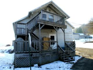 100 Robbins Rd #b, Nelsonville, OH 45764