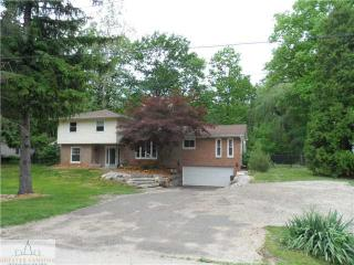 4038 North Pine Dell Drive, Lansing MI