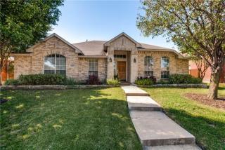 8110 Freeman Drive, Rowlett TX