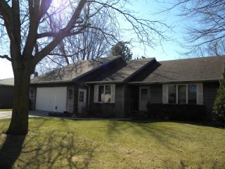 861 28th St, Spirit Lake, IA 51360