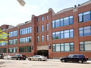 2600 North Southport Avenue #306, Chicago IL