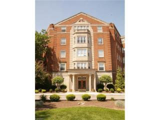 13800 Fairhill Road #212, Shaker Heights OH