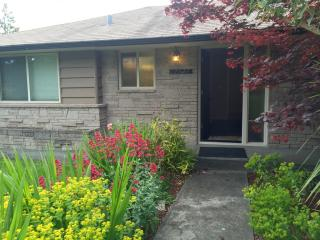 12527 11th Ave NW, Seattle, WA 98177