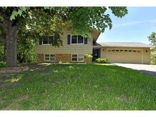 2745 Olive Lane North, Plymouth MN