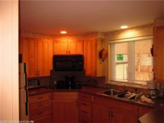 1 Reservoir St, Searsport, ME 04974