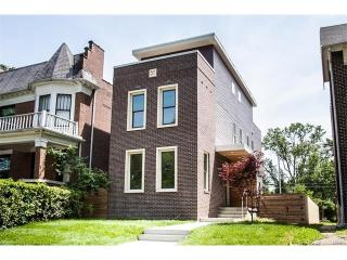 5766 Pershing Avenue, Saint Louis MO