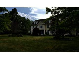 67 Hampton Court, Southbury CT