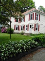 27 Maple St, Hallowell, ME 04347