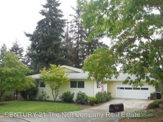 1841 NW Finch Ct, Roseburg, OR 97471