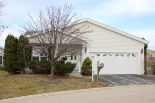 3012 Hunt Club Court, Grayslake IL