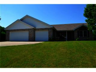 123 West Woodland Drive, Pendleton IN