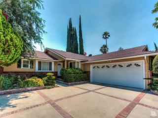 6638 Capistrano Ave, West Hills, CA 91307