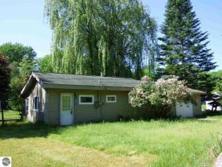 5995 North Silver Pines Drive, Bellaire MI