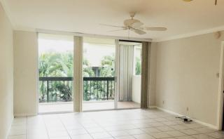 4800 Bayview Dr #301, Fort Lauderdale, FL 33308