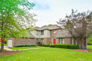 140 West Blackthorn Lane, Lake Forest IL
