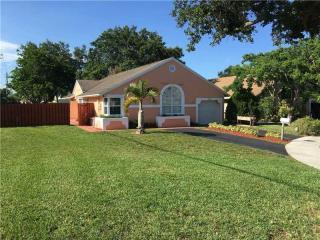 9989 Southwest 59th Court, Cooper City FL