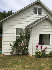 210 W 4th St, Coquille, OR 97423