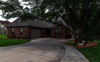 211 Bonita Drive, Granbury TX