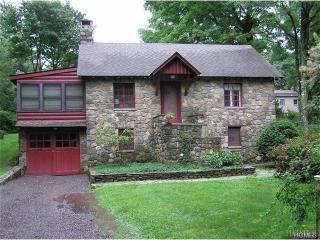 160 Highland Rd, Cold Spring, NY 10516