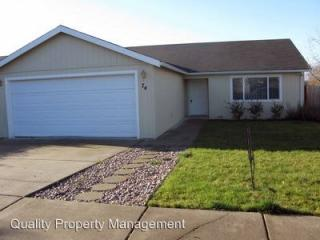 74 Eagle View Dr, Eagle Point, OR 97524