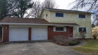 313 E Holley Dr, Kentland, IN 47951