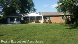 4522 Green Castle Rd, Louisville, TN 37777