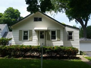 1132 White Street, Des Plaines IL