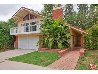 10368 Summer Holly Cir, Los Angeles, CA 90077