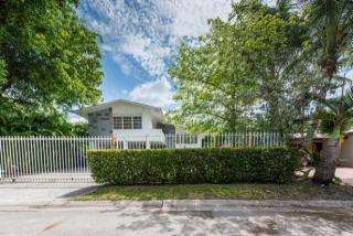 3545 West Glencoe Street, Coconut Grove FL