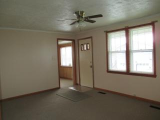108 Saint Clair Ave, Oak Hill, WV 25901