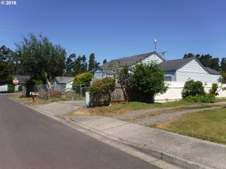 1615 36th Street, Florence OR