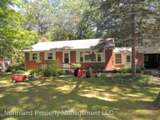 851 Indian Trail Blvd, Traverse City, MI 49686