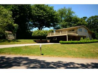 20 Bonnet View Dr, Narragansett, RI 02882