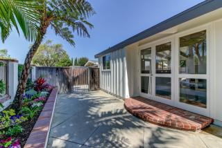7147 East Mezzanine Way, Long Beach CA