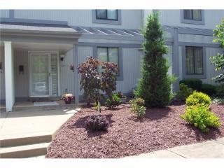 1571 Pinehurst Drive, Upper Saint Clair PA