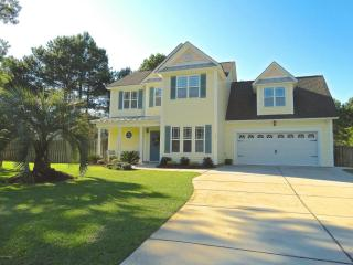 102 Fisher Place, Hampstead NC