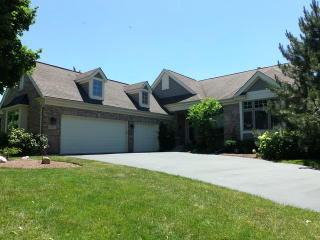 16 Twelve Lakes Court, Lake in the Hills IL