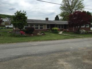 380 S 4th St, Indiana, PA 15701