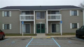 1327 Mackinaw Ave, Cheboygan, MI 49721