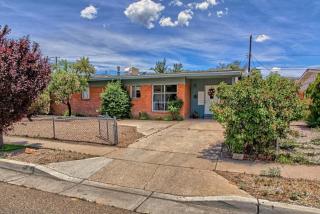 832 Claudine Street NE, Albuquerque NM