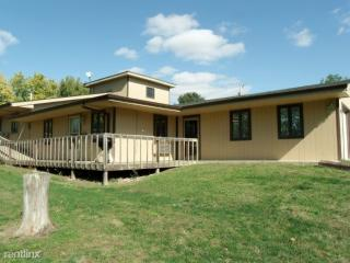 700 W 11th St #2, Horton, KS 66439