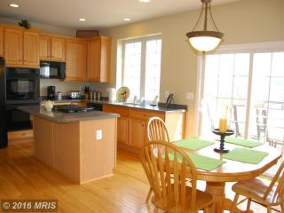 4 Jeffrey Ln, Brunswick, MD 21758