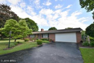 1930 Applewood Drive, Hagerstown MD